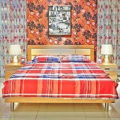 东方百盛卧室加大床+床头柜组合(床906+2个床头柜910)