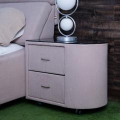 克罗德曼 松木框架/布艺 半圆形 床头柜